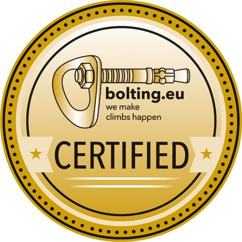 """Das Bild zeigt die Klettergarten Audit Plakette von Bolting.eu. Ein pinker Kreis mit weißen Punktem am Rand sowie dem Schriftzug """"Certified"""" und das Bolting.eu Logo."""