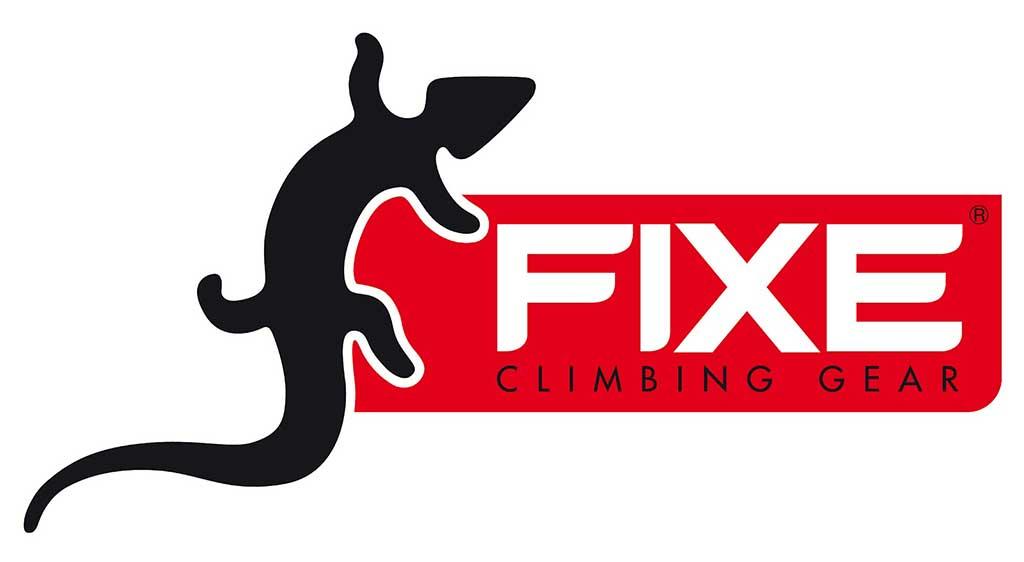 Das Bild zeigt das Logo von FIXE Climbing. Links eine schwarze Eidechse, rechts daneben einen roten Balken. Darin gross in Weiss den Namen Fixe. Darunter klein in Schwarz das Wort Climbing.