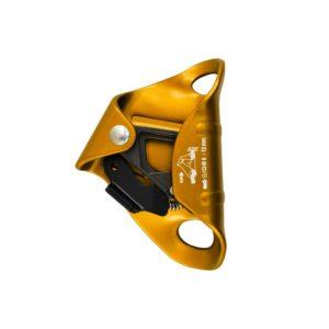 Das Bild zeigt die gelbe Bruststeigklemme Kong Cam Clean. Die Brustklemme steht aufrecht im Bild, mit den Aufhängeösen nach rechts und dem Klemmnocken-Block links.