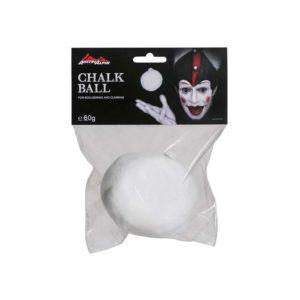 Das Bild zeigt einen weißen Chalkball Austrialpin. Der Ball ist in einer durchsichtigen Verpackungshülle, oberhalb ist ein Label mit Produktaufschrift und Clown Logo befestigt.