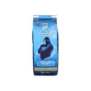 Das Bild zeigt eine blaue Packung Frictionlabs Gorilla Grip Chalk. Man sieht die aufrecht stehende Packung von der Vorderseite mit dem Logo, dem Gorilla und dem Produktnamen darunter.