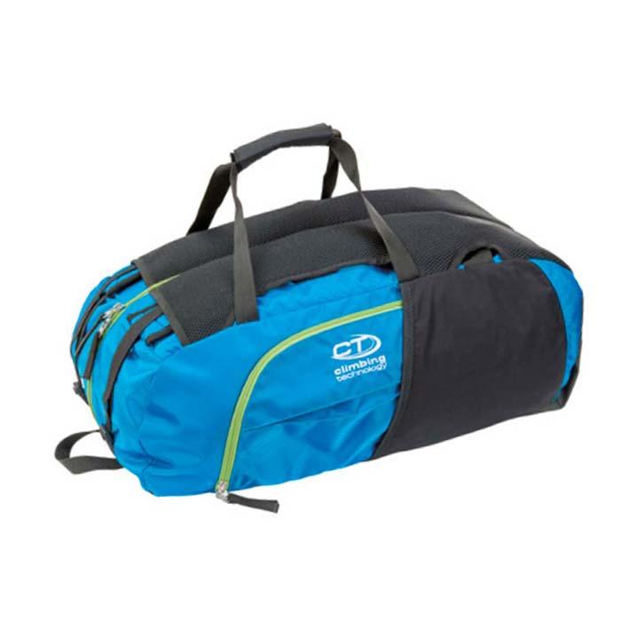 Das Bild zeigt den blau-schwarzen Kletterrucksack Falesia Climbing Technology. Man sieht den Bag seitlich von oben. So erkennt man das System des Rucksackes und auch die Details wie Seitentaschen, Trageriemen und Front Zipper.