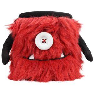 Das Bild zeigt das Chalkbag Monster Bruno von vorne. Der rote, lustige Magnesiumbeutel haut einen Knopf als Auge und einen Mund mit zwei spitzen Zähnen sowie zwei seitlichen Armen.