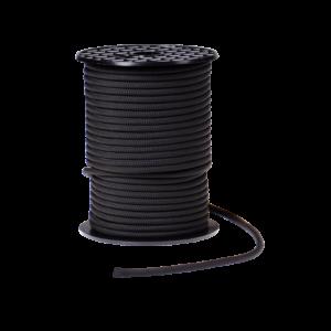 Das Bild zeigt eine Rolle mit einer schwarzen Beal 5,5mm Kevlar Reepschnur. Sie steht aufrecht in Bildmitte, ein kurzes Ende liegt davor.
