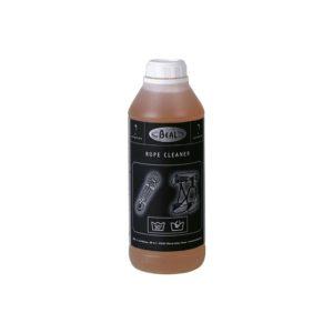 Das Bild zeigt eine Flasche Beal Seilwaschmittel Rope Cleaner. Zu sehen ist eine milchige Kunststoffflasche in Bildmitte mit einem schwarzem Label und diverser Schrift und Bilder eines Seils bzw. Klettergurts.