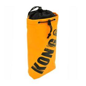 Das Bild zeigt die Kong Tool Bag Materialtasche. Die orange Materialtasche steht aufrecht in Bildmitte. Man erkennt ihre Dimension, den Top Verschluss sowie das große