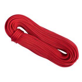 Das Bild zeigt das Stubai Bergsteiger Seil Fire. Das rote Seil liegt schräg in Bildmitte als aufgenommener Seilstrang.