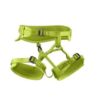 Das Bild zeigt den Edelrid Finn Kinderklettergurt. Der hellgrüne Klettergurt ist in Bildmitte zu sehen. Man erkennt alle Produktdetails wie die verstellbare Hüftschlaufe, die Beinschlaufen mit den jeweiligen Schnallen sowie den Anseilring.