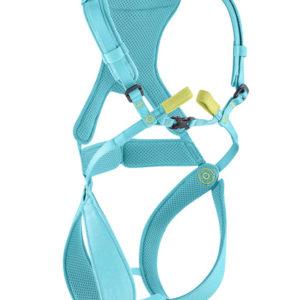 Das Bild zeigt das Edelrid Fraggle Kinder Klettergeschirr. Der türkise Klettergurt ist in Bildmitte mit all seinen Details von vorne zu sehen. Man erkennt die Beinschlaufen, das Hüftband, die Brust- bzw. Schultergürtel und die gelbe Anseilschlaufe.