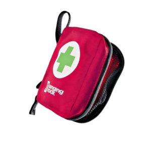 Das Bild zeigt eine rote 1. Hilfe Tasche klein. Sie liegt in Bildmitte, man erkennt vorne einen weißen Kreis mit grünem Kreuz sowie das Singing Rock Logo.