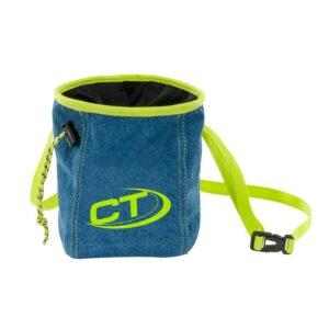 Das Bild zeigt das Blue J Chalkbag von vorne. Man erkennt den Magnesiumbeutel, das gelbe Gurtband und den Kordel Verschluss sowie das CT Logo.