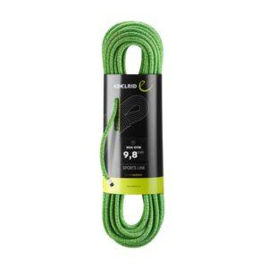 Das Bild zeigt das Edelrid Boa Gym Hallenseil. Der verpackte, grüne Seilstrang ist aufrecht in Bildmitte zu sehen. Um die Mitte das schwarze Verpackungslabel.