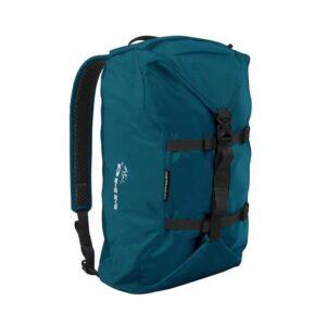 Das Bild zeigt den DMM Classic Rope Bag in der Farbe Blau. MAn sieht das Produkt mit den Kompressionsriemen und Schulterträgern.