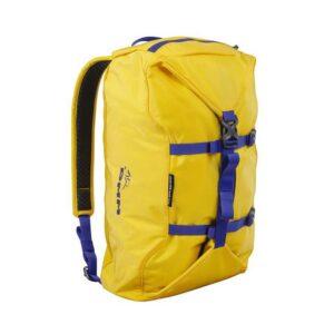 Das Bild zeigt den DMM Classic Rope Bag in der Farbe Gelb. Man sieht das Produkt mit den Kompressionsriemen und Schulterträgern.