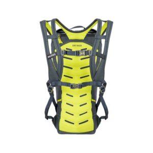 Das Bild zeigt die Rückseite des Salewa Climb Apex 18 Kletterrucksack. Man sieht die gelbe Rückenpolsertung und die Trageriemen.