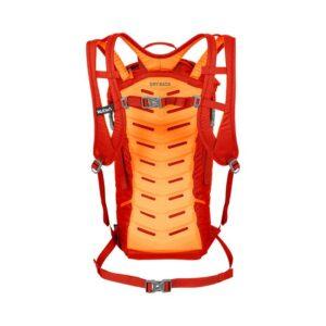 Das Bild zeigt den feuerroten Salewa Apex Climb 25 Kletterrucksack von hinten. MAn sieht den Rucksack mit der orangen Rückenpolsterung und den Schulterriemen.