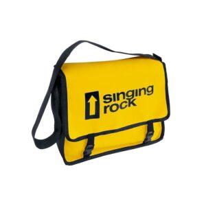 Das Bild zeigt die Singing Rock Monty Bag Bouldertasche in gelb mit schwarzem Logo Schriftzug.