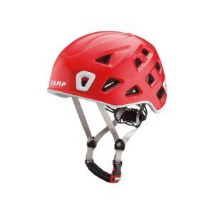 Das Bild zeigt den roten Camp Storm Kletterhelm von der Seite. Man erkennt alle Produktdetails wie Helmschale, Kinnriemen und Verstellrad.
